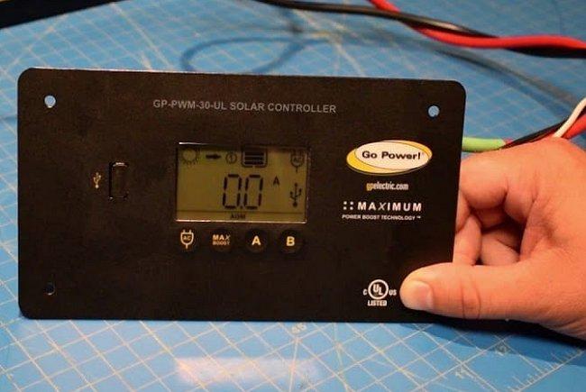 10A Vikye Regolatore di Carica Solare Parametri di Carica//scarica Pannello a Doppia cella USB Identificazione Automatica Integrata per sovracorrente//cortocircuito per sistemi di