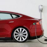 Quante ore servono per ricaricare una Tesla con il Powerwall?