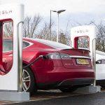 Cosa sono i supercaricatori Tesla per veicoli elettrici?